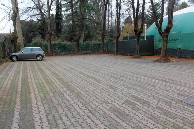 parcheggio a disposizione  tennis club chiari