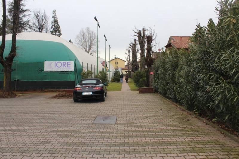 possibilità di parcheggio tennis club chiari